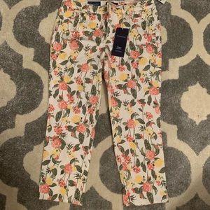 Charter Club Pants - NWT Charter Club floral Bristol capri size 6
